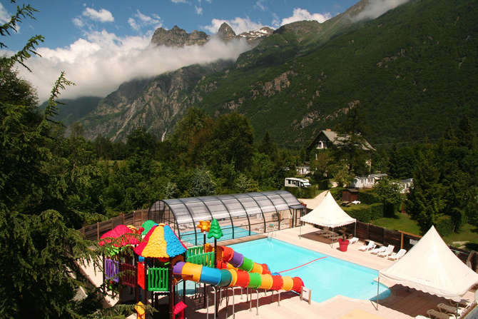 Camping Les Castels Chateau De Rochetaillee-september 2021