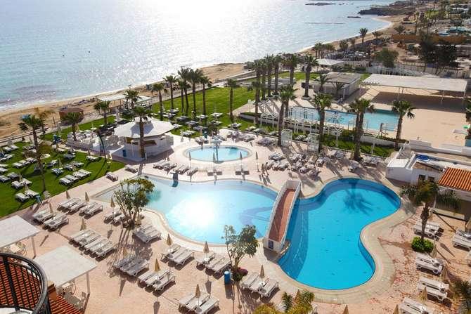 Constantinos The Great Beach-juli 2021
